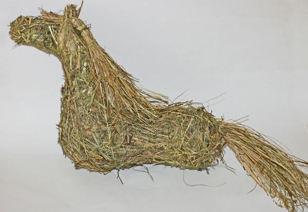 Лошадь из сена своими руками